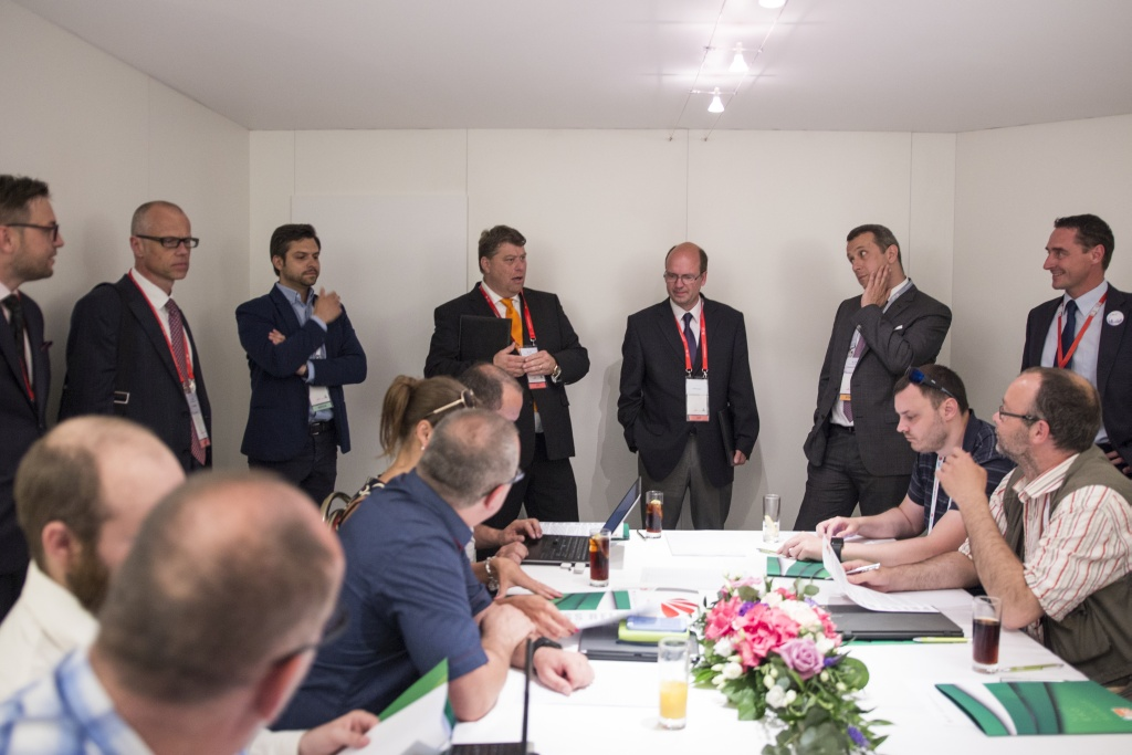 HUAWEI_eco__CONNECT_CEE__NORDIC_2017_roundtable